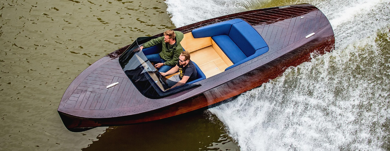 KeelCraft electric boat - speedboat - watercraft Czechia Prague